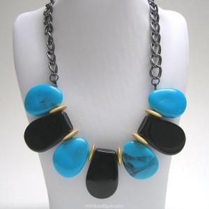 Bold Necklace Image