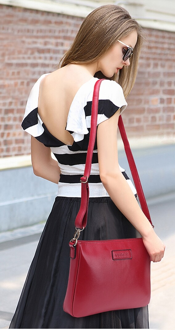 beautiful-woman-with-clutch-bag