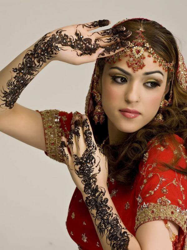 Mehndi Party Hairstyles : Hairstyles for mehndi party function � fashion tips